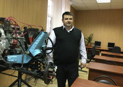 Брусянин Дмитрий Владимирович – Преподаватель курса теории ПДД