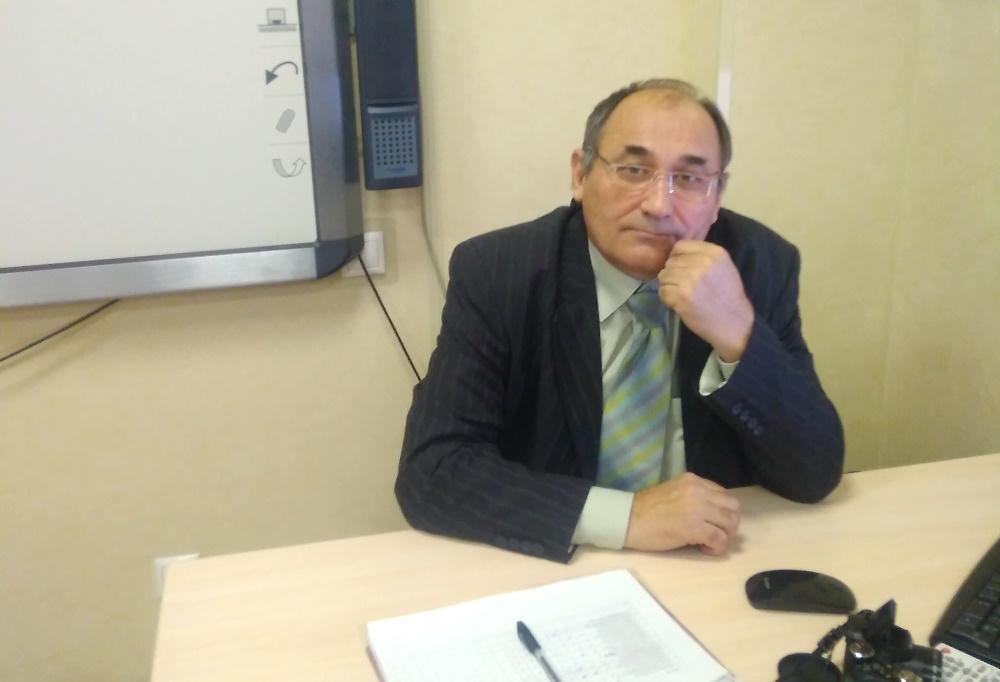 Кучук Василий Дмитриевич – Преподаватель курса теории ПДД