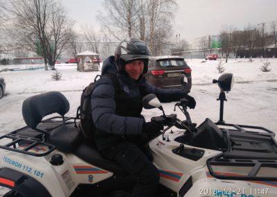 Максим Ильич – преподаватель теории и инструктор вождения квадроцикл / снегоход автошколы МЧС СПб