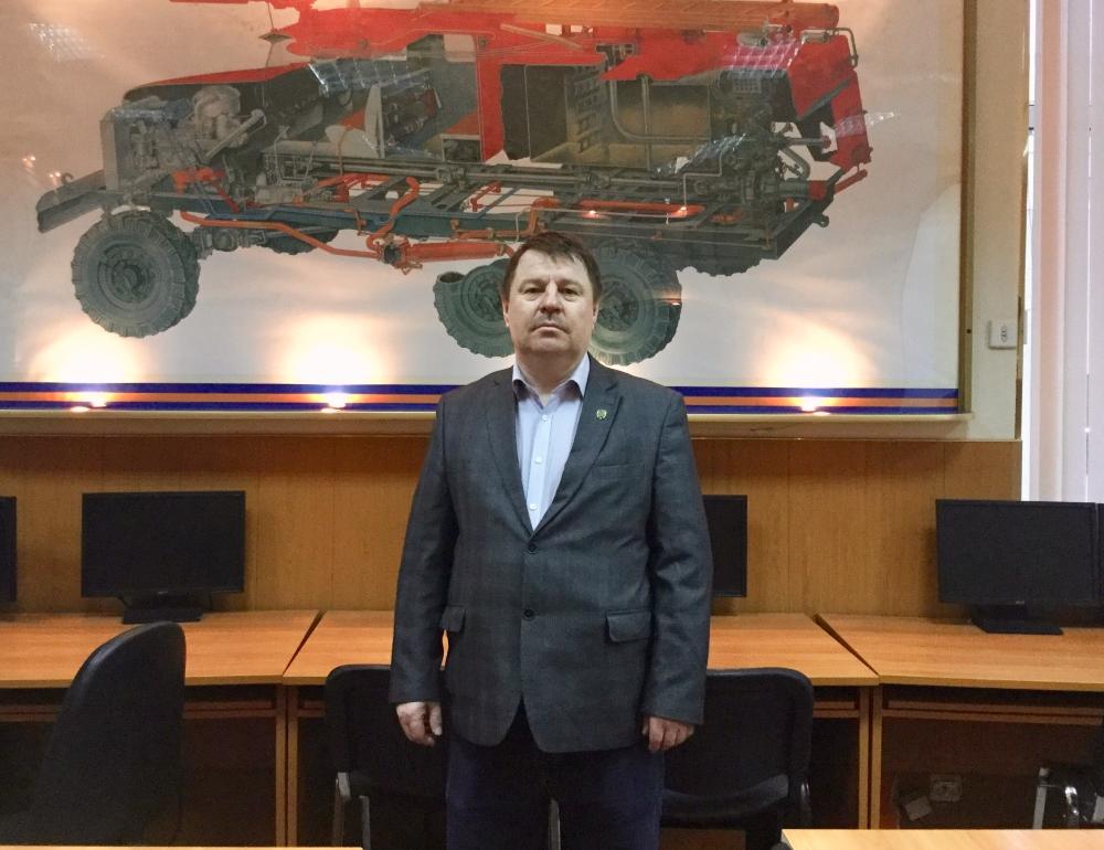 Моисеенко Михаил Иванович – Преподаватель курса теории ПДД